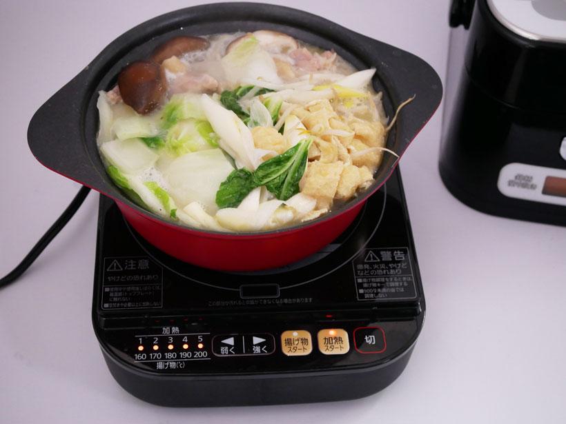 ↑どっさりと野菜や肉を入れても原価は300円ほど