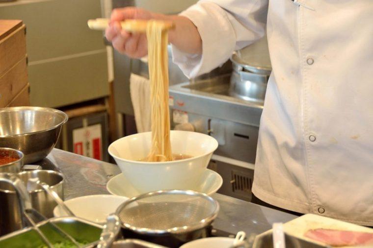 ↑同店の麺は、味わいに合わせて全4種。すべて店内の製麺機で丁寧に打ったものを使用しています