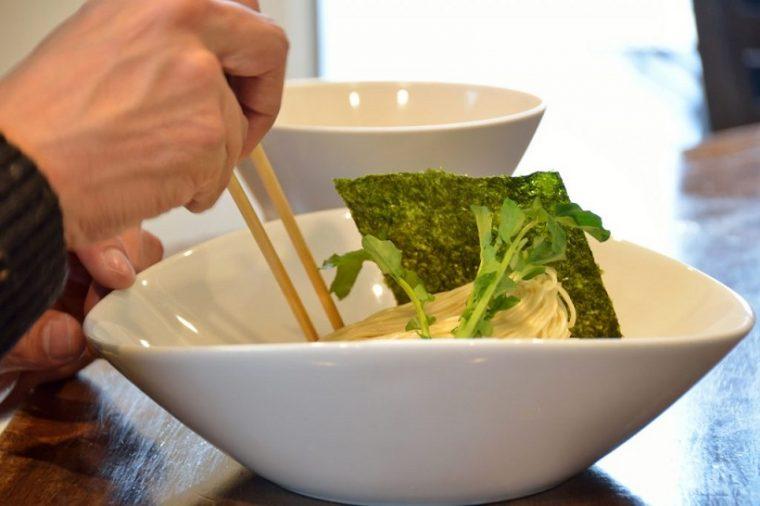 ↑担担麺のつけ麺は珍しいとか。特に自家製の細麺で提供している店はかなり希少だそうです