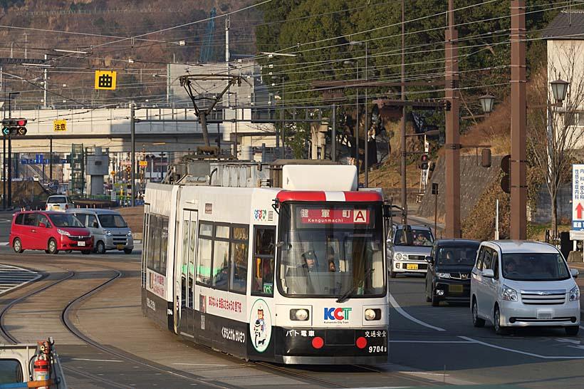 ↑9700形は日本国内で初めて造られた超低床車となった。熊本市電の車両は先進性に富む