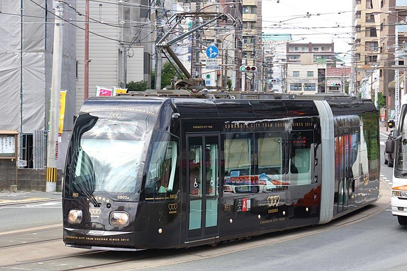 ↑0800形の0803号車の愛称は「COCORO(こころ)」。水戸岡鋭治氏がデザインを担当した