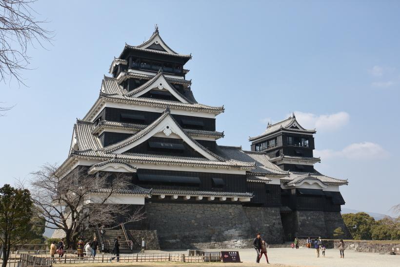 ↑地震前の熊本城。元の姿を早く取り戻して欲しい(大小天守の修復作業は平成31年3月完了予定)