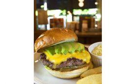 あの有名商店街で見つけたバーガーは上質の一語! 武蔵小山「Sherry's Burger Cafe」のパティは思わず舌鼓を打つおいしさ