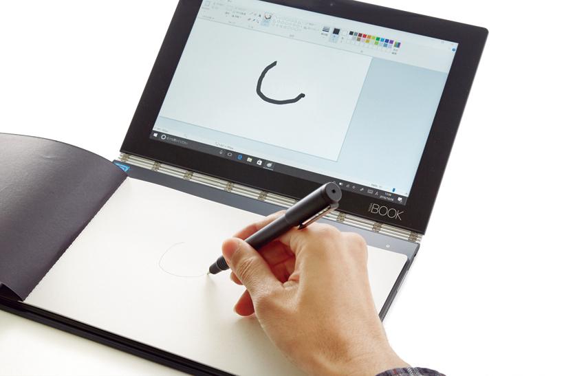 ↑ペン入力モードにすれば、ペンタブのように使うことも。ペン先を変えればノートに変えた文字や図をそのままデジタルデータにして表示します