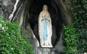 """【ムーコラム】""""聖なる存在""""を信じない司祭を驚愕させた言葉とは? いまも奇跡の証拠が残る「ルールドの泉」入門"""