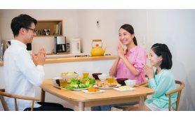 「夜ごはん」一緒に食べてる? 「子どもが世界一幸せな国」の驚くほどシンプルな習慣