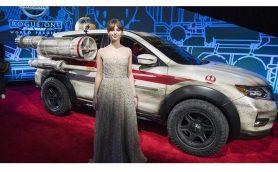 スター・ウォーズ最新作「ローグ・ワン」ワールドプレミアに華を添えたのは日産「ローグ」の特別仕様車!