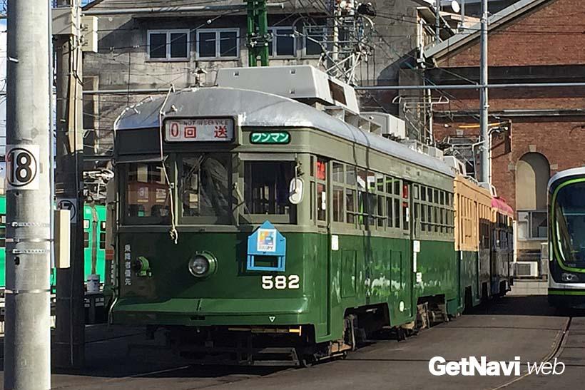 ↑570形は元神戸市電の500形。改造されているものの、元の車体は製造後90年以上の古参電車だ