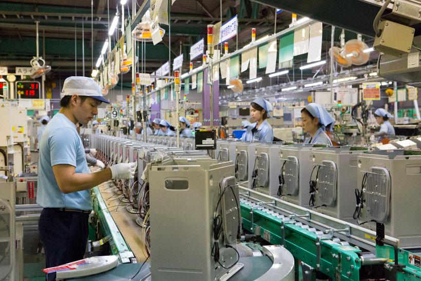 ↑ダイニチの工場のスタッフはすべてが正社員