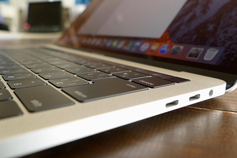 ↑MacBook Proも大きな音がでる