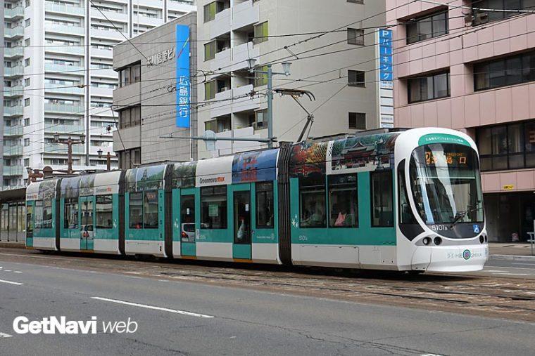 ↑5100形は3台車に5車体が載る構造。写真の5101号車は広島観光インフォメーション電車だ