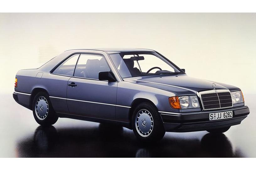 Mercedes-Benz Coupé der Baureihe 124. Im Jahr 1987 debütieren zunächst die Typen 230 CE und 300 CE. ;  Series 124 Mercedes-Benz coupé. The first debutants, in 1987, were the 230 CE and 300 CE.;