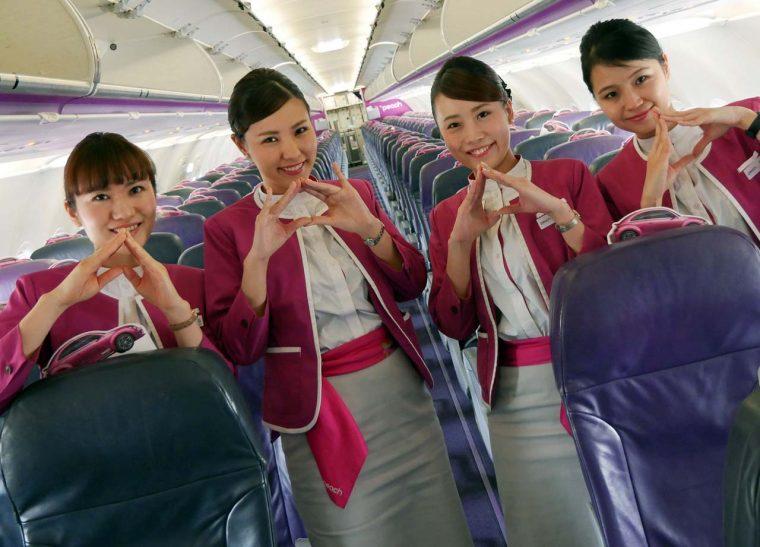 ↑帰りの便でお世話になったPeachの客室乗務員のみなさん。この笑顔に癒される