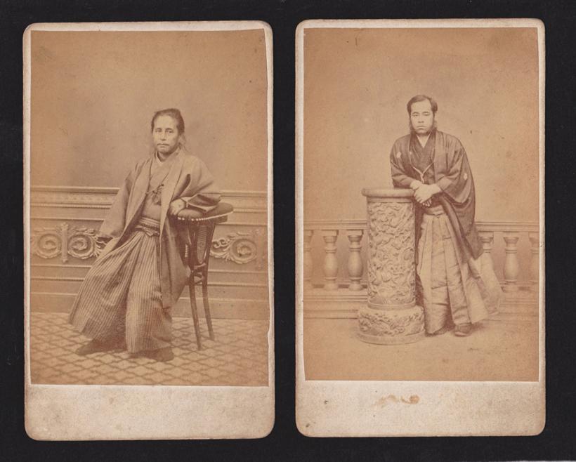 ↑今回公開された、勝海舟(左)、後藤象二郎が撮影された湿板写真()