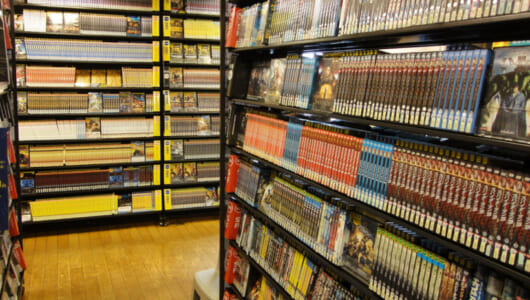 "TSUTAYAが「ジャケ借」を超える映画の選び方「あえて見ない」を提案! 書籍、CD、味……業界では""隠す""商法がブームに"