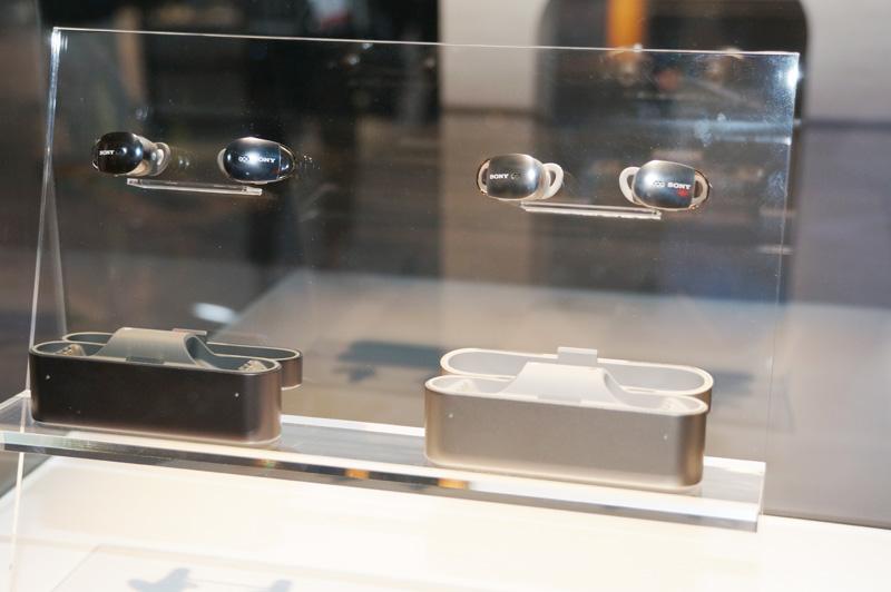 ↑ソニーが展示した完全ワイヤレスイヤホンの試作機
