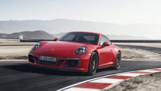 トップスピードは300km/hオーバー! ポルシェ911に走りを極めたスポーツモデル「GTS」がデビュー