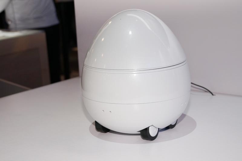 ↑パナソニックが開発を進めるコミュニケーションロボット