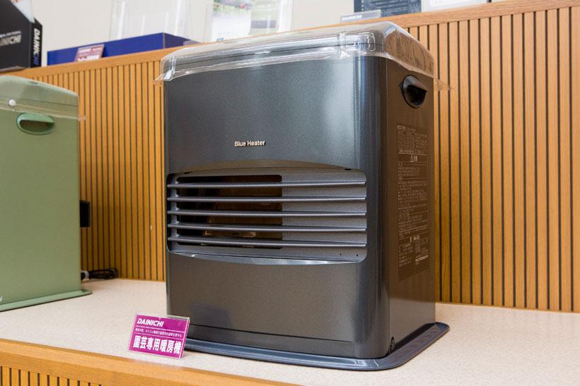 ↑ハウス用の暖房機。蘭など、温度管理が難しい植物の栽培に力を発揮するそうです
