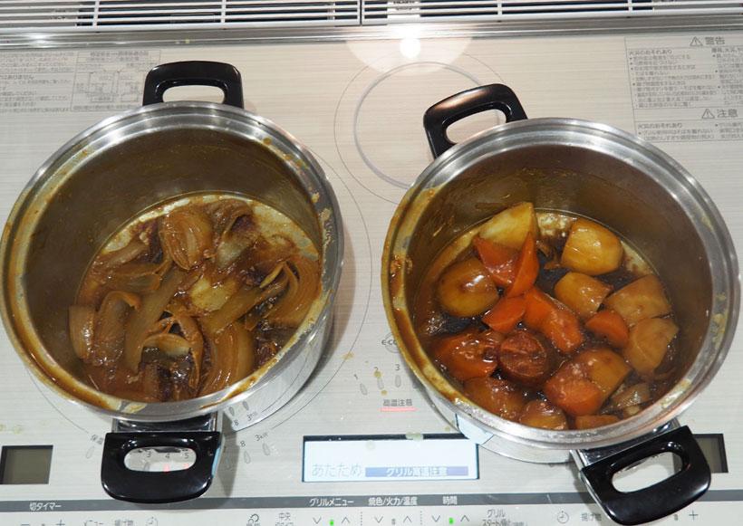 ↑びっくリングPで煮込んだカレー(左)と、普通のIHで煮込んだカレー(右)の焦げ付きを比較