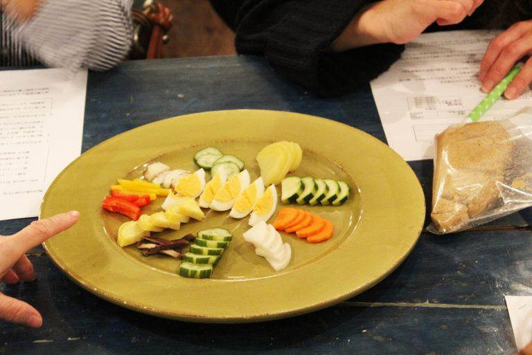 ↑ワークショップでは、ぬか漬けの漬物が並べられ、参加者みんなで舌鼓。ゆで卵など意外な食材も大好評
