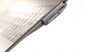 【MacBook】外部接続ポート増設からバッテリー容量アップまで! MacBookを快適にする最新ガジェットあれこれ