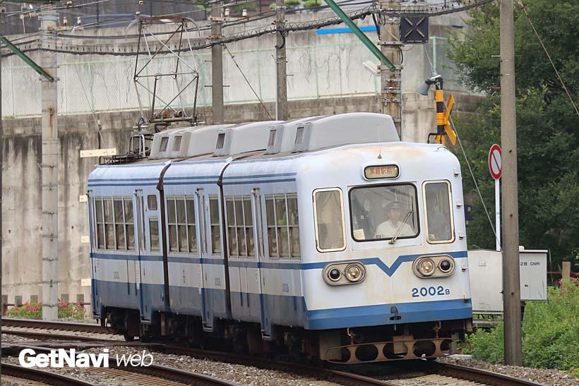 ↑西鉄北九州線の1000形を3車体連接車に改造した2000形。新車の導入で出番が減りつつある
