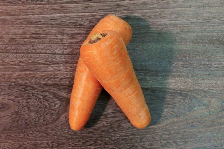 ↑ニンジンは、ビタミンCや食物繊維を含む根菜で、特に免疫力を高めるβカロテン(ビタミンA)が豊富