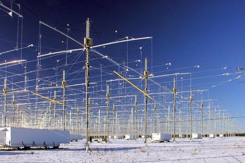 ↑アラスカのHAARP施設。現在は使用されていないというが……。