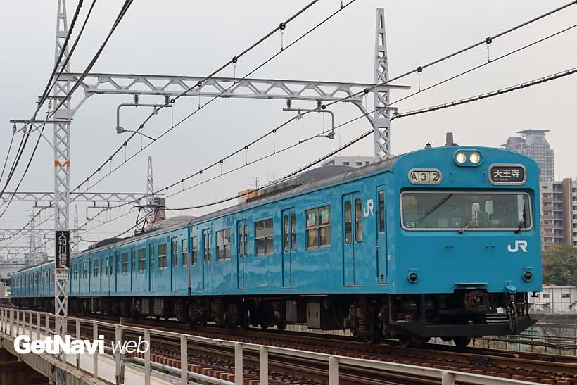 ↑阪和線の普通電車といえばスカイブルーの103系が定番だったが、急速に225系に置き換わりつつある