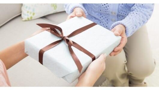 お金が貯まる人から学ぶ手土産の選び方と贈り方