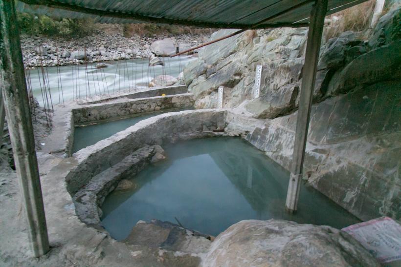 ↑入浴料は1回50ルピー(およそ50円)受付はありませんが、時折やってくる管理人にお金を払う仕組みでした