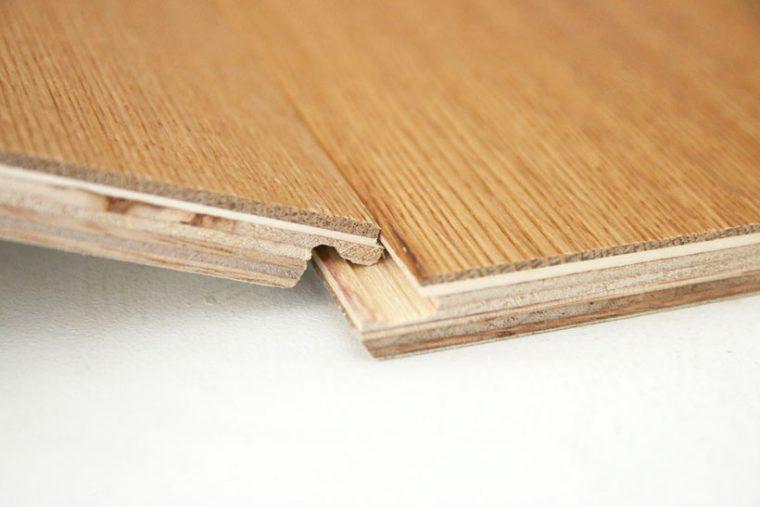 ↑それぞれの板はフックのように引っかけて連結します