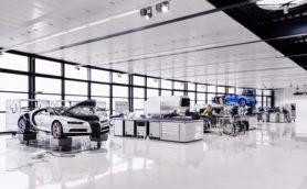 熟練スタッフがほぼ手作業で組み上げる! 3億円のスーパーカー「シロン」の生産過程が明らかに