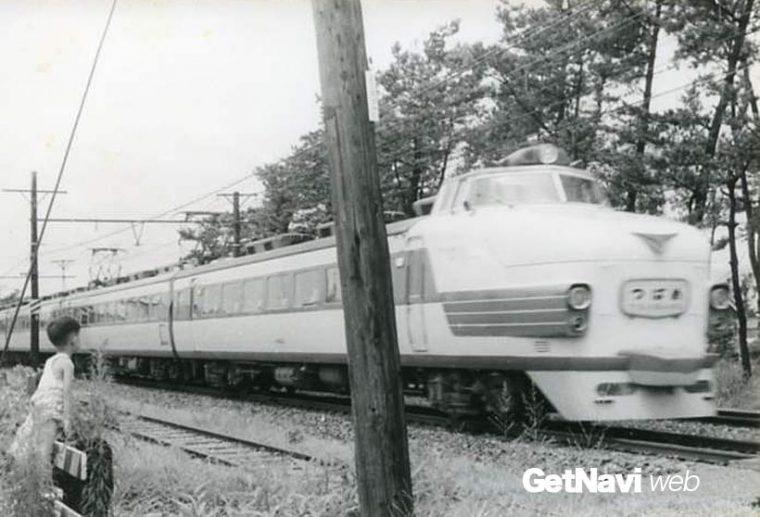 ↑国鉄形特急電車の創始となった151系(20系)「つばめ」。当時の子どもたちの憧れの電車だった