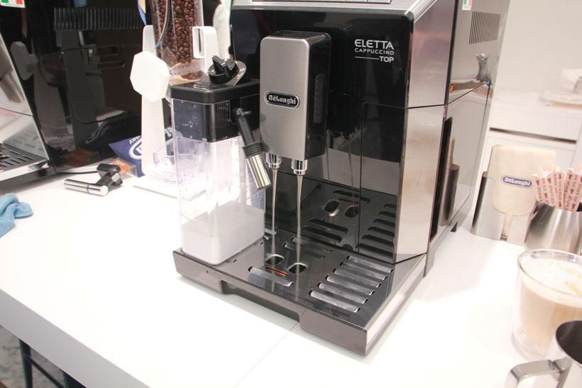 ↑定期的に内部を自動洗浄するので、面倒な手間なく常にフレッシュなコーヒーを飲めます