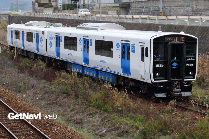 ↑JR九州の筑豊本線(若松線)に導入されたBIC819系DENCHA。3月からは博多駅へも乗り入れの予定