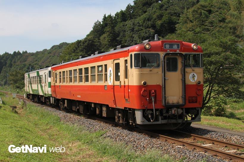 ↑烏山線を走るキハ40形は3色。朱色とクリーム色の塗装は国鉄一般気動色と呼ばれ人気だ