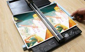 チラシと印刷代がこれで「ハンブンコ」! 大きめの紙+断裁の新兵器がコストカットへの最短ルート