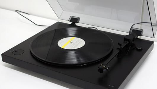 レコードブームに追い風! ソニーが自社スタジオ内にラッカー盤カッティングマシンを導入