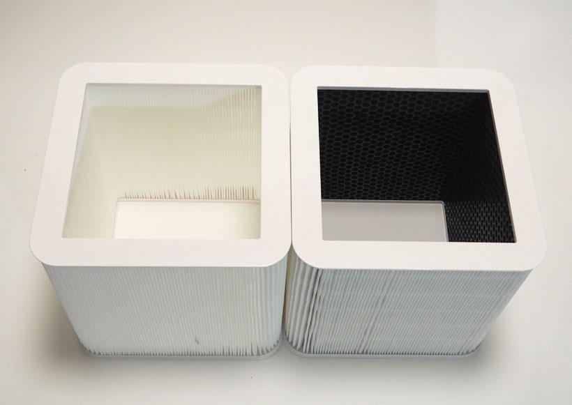 ↑左がParticleフィルターで、右が脱臭もできるParticle and Carbonフィルター。Particle and Carbonは内側に約1.2kgの活性炭が含まれており、臭いをパワフルに除去します。Blue by Blueairには、どちらのフィルターも搭載可能です