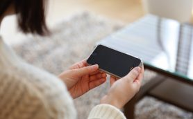 新しいiPhoneの顔認証はほとんど人間と同じ!? 買収騒動から明らかになった「iPhone 8(仮)」のスゴさ