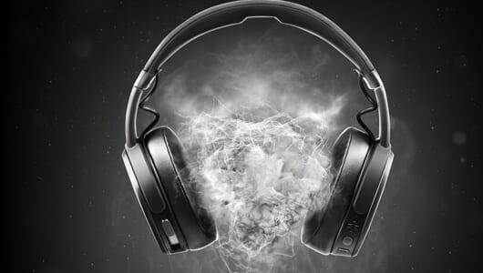 """""""震えるヘッドホン""""がワイヤレスに進化した! 新振動システム搭載のスカルキャンディー「Crusher Wireless」"""
