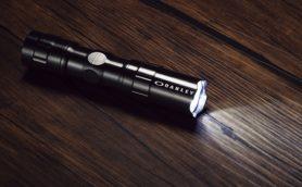 人気ブランド・オークリーとコラボ! GetNavi4月号付録は常に携帯したい特製LEDライト