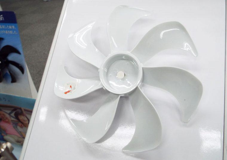 ↑強化プラスチックの新プロペラ