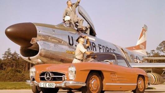 誕生60周年を迎えたメルセデス・ベンツの伝説的なスポーツカー「300SLロードスター」とは?