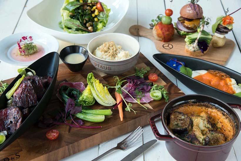↑POLAビューティーDELI FOOD」で提供される個性的な料理。月曜のランチには限定5食のスペシャルメニュー(価格1万円)も用意される