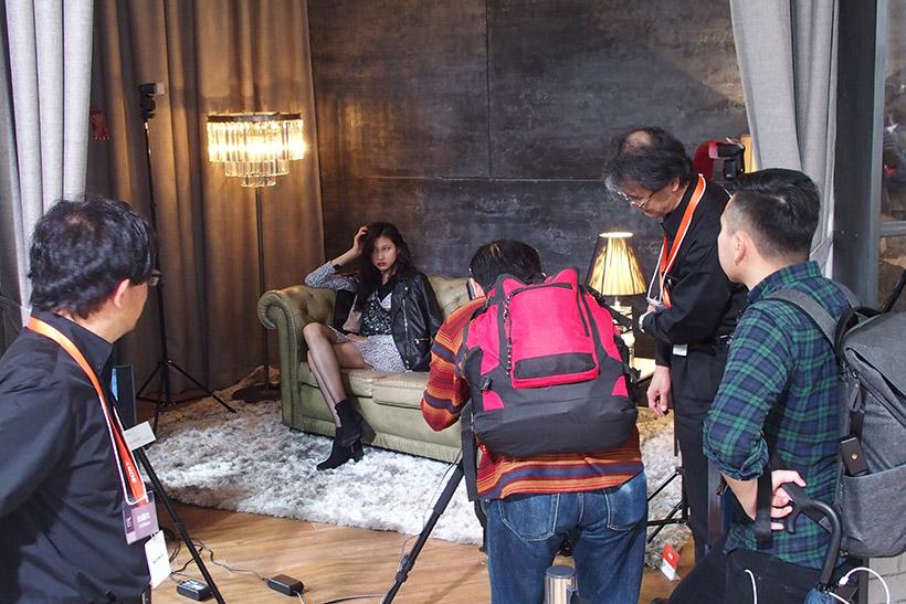 ↑モデル撮影は結構ありますが、スタジオをしっかりと用意しているのはめずらしい感じです