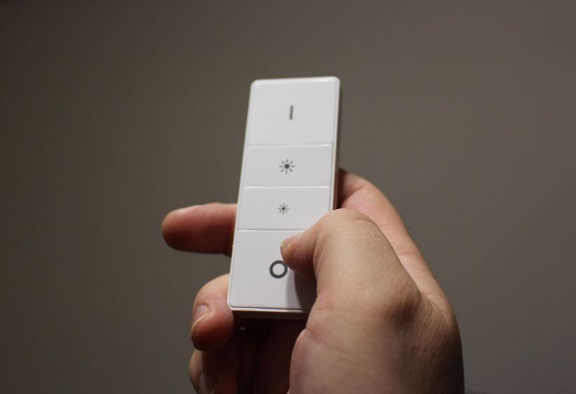 ↑こちらがDimmerスイッチ。本体とペアリングするだけでオン/オフのほか、4つの色温度が設定できます