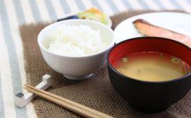 ごはん派のモーニングは220円から! 卵かけごはん、焼鮭、塩さばなどのお米が食べられるモーニングメニューたち